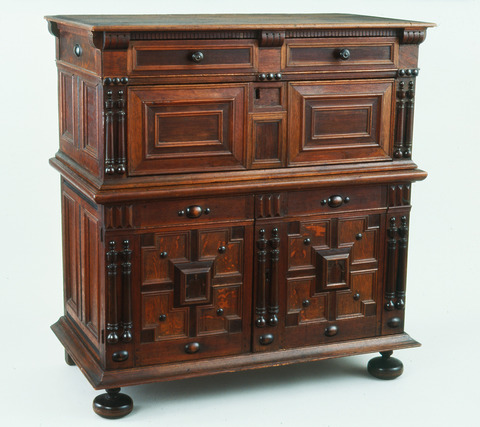 Connable chest of drawers